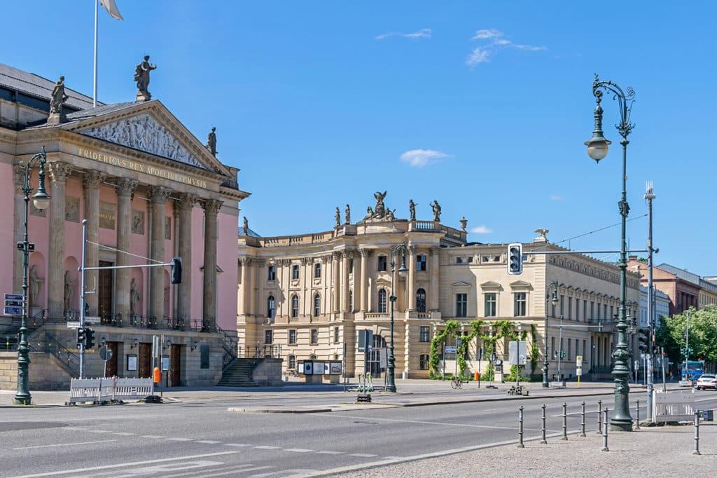 Privatuniversität Berlin Neuruppin